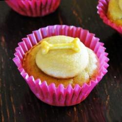 Sweet Potato Pupcakes with yogurt & cumin frosting