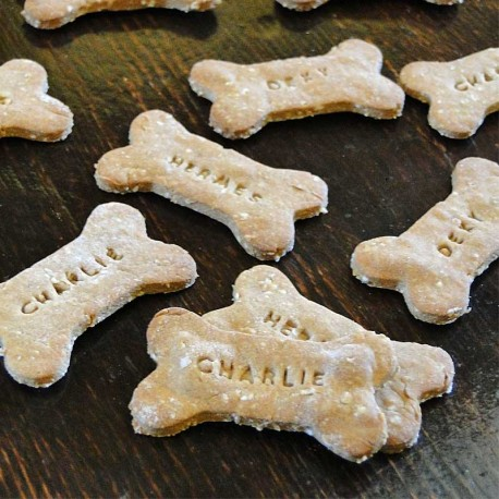 Biscuits avec le nom de chien Beurre de Cacahuète