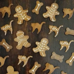 Halloween biscuits for dogs