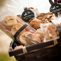 Gift basket for dogs Sweet Tooth