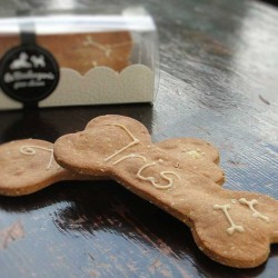 Personnalised Dog Biscuits Peanut