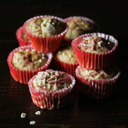 Mini organic Honey Cupcakes