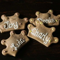 Personnalised Dog Biscuit place cards